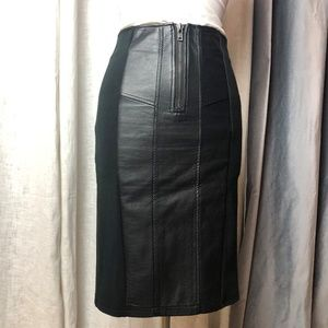Gracia Faux Leather Panel Pencil Skirt Black M